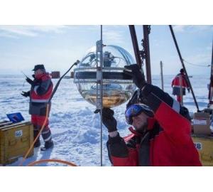 На Байкале развернули третий кластер нейтринного телескопа